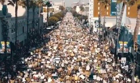 5万人が人種差別撲滅を訴え集まった