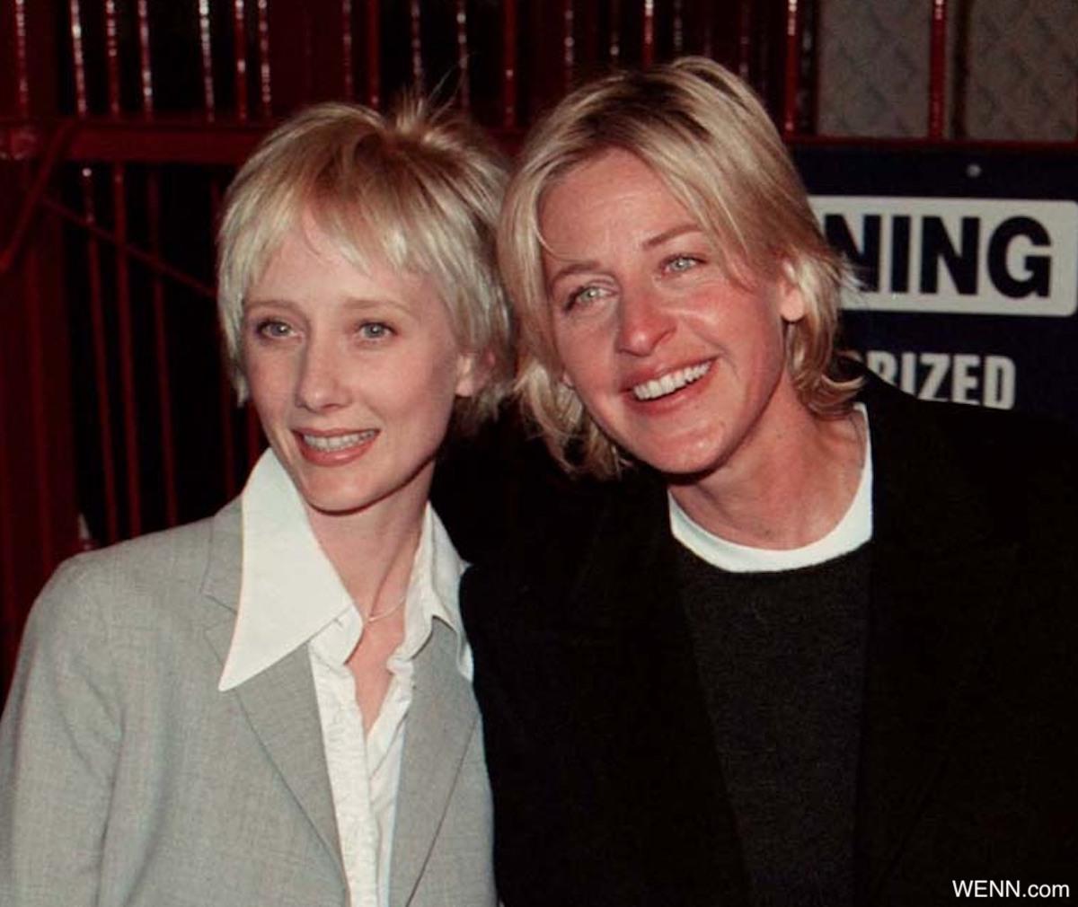 アン・ヘッシュとエレン・デジェネレス(1999年)
