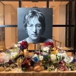ジョン・レノン命日の献花台