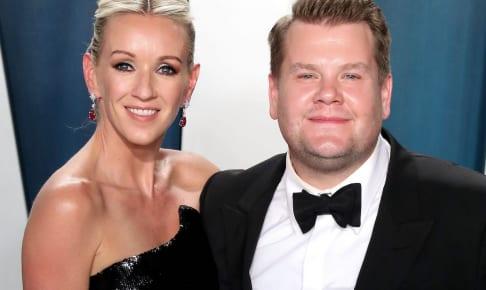 ジェームズ・コーデンと妻のジュリア・キャリー