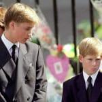ダイアナ元妃の葬儀でのウィリアム王子とヘンリー王子(1997年)