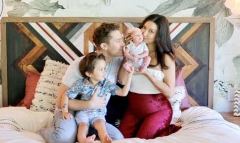 新たな家族が誕生したマシュー・モリソン一家