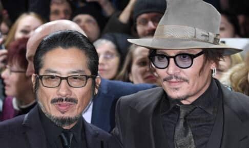 真田広之(左)、ジョニー・デップ